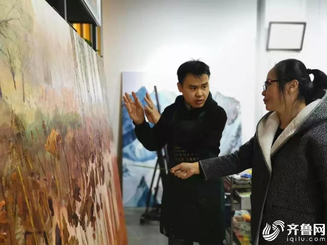 高淑兰创作油画《问秋》,师生互动,教学相长