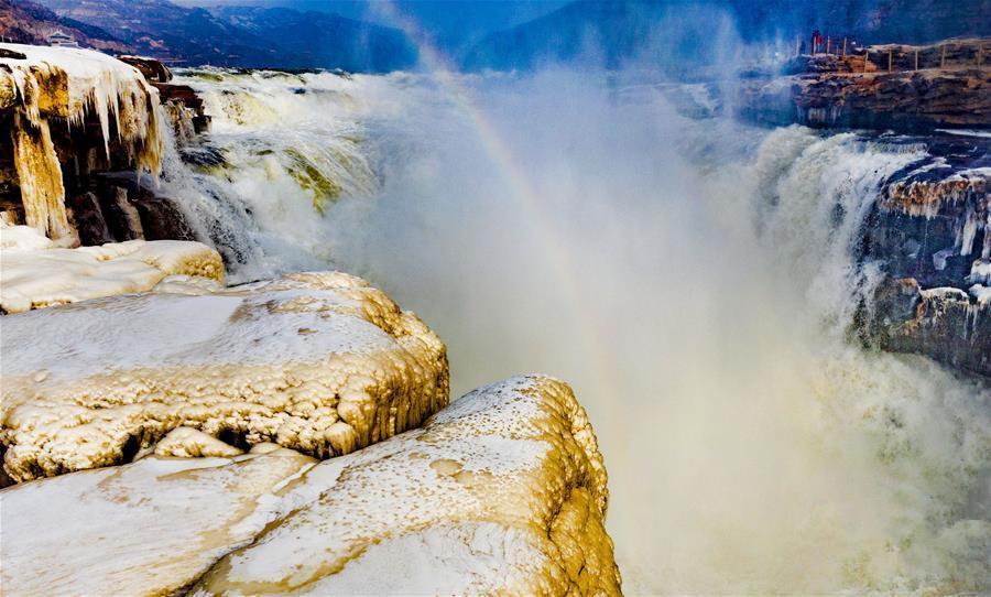 晶莹剔透的黄河壶口瀑布