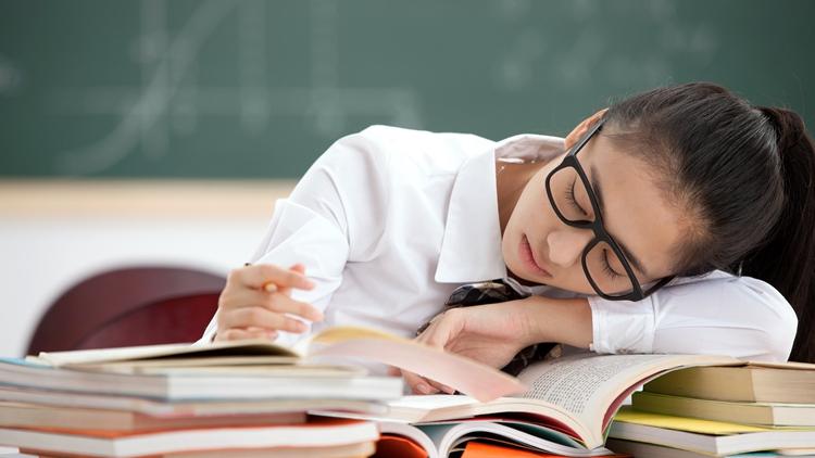 近八成大学生有睡眠困扰 专家建议增加户外运动