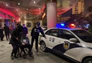 聚会饮酒要适量 环翠警方救助一醉酒摔伤男子