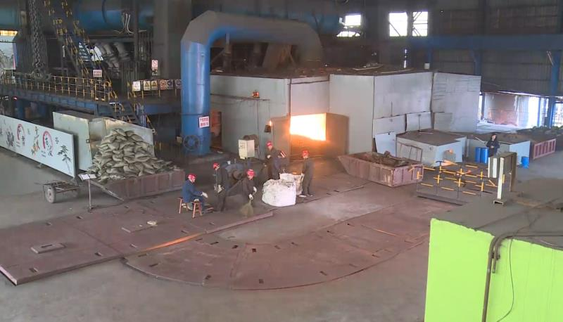 泰山钢铁集团:岗位上过大年 向春节期间奋战在生产一线的职工致敬