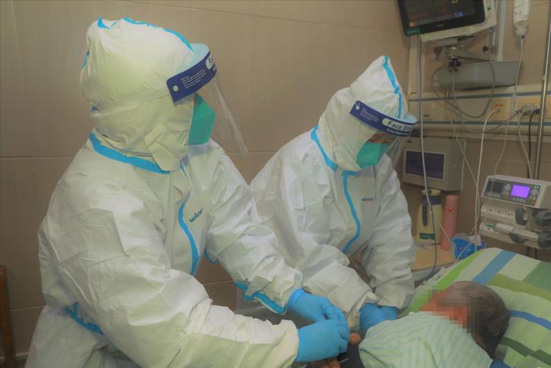 前线直击!武汉中南医院全力救治新型冠状病毒感染的肺炎患者