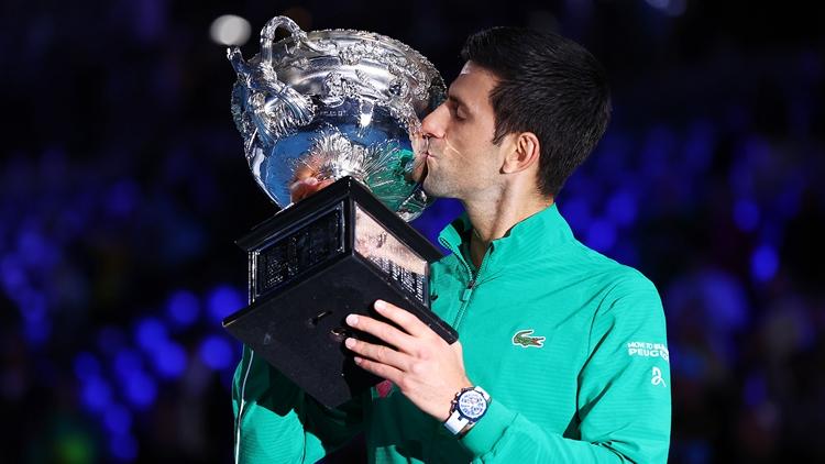 德约科维奇加冕澳网八冠王