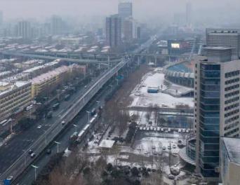 春雪饰泉城,济南迎来新春首场降雪