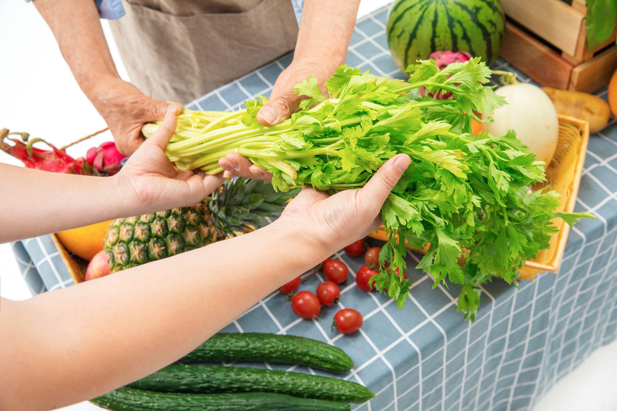 蔬菜水果会附着新冠病毒吗?外出购物注意六大要点