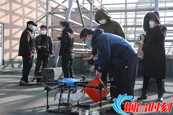 飞越上空 大海阳社区用无人机空中消杀保障居住环境安全