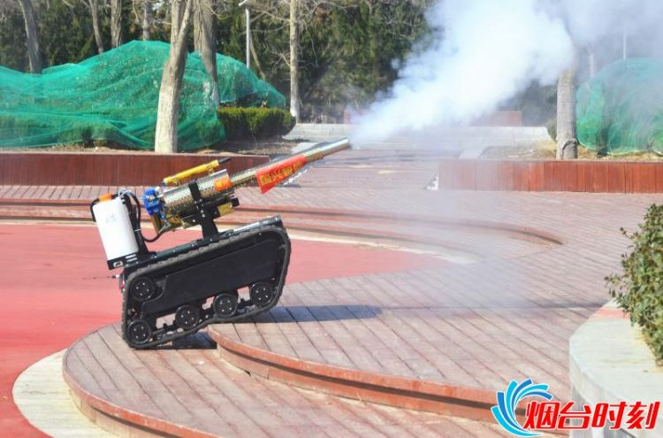 """超硬核!""""烟台造""""智能机器人抵鄂战疫"""