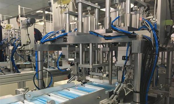 日产可达10万片!青岛高新区企业自主研发全自动口罩生产线