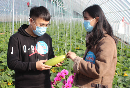 广饶共青团开启直播新方式 助力农产品销售