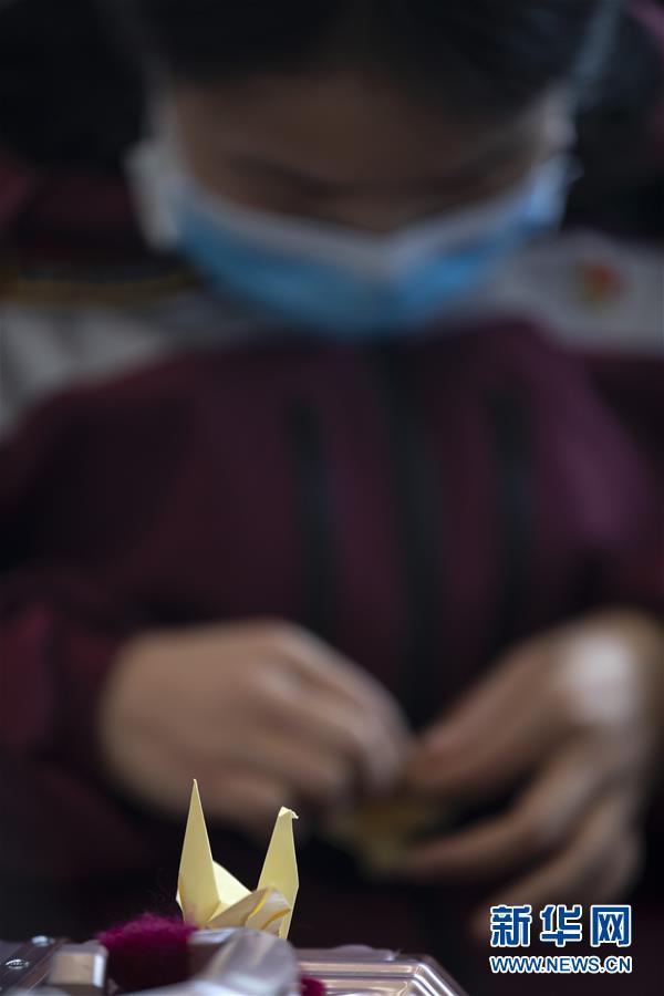 (新华全媒头条·图文互动)(10)最美逆行者,武汉永远记得你!——首批援鄂医疗队返程纪实