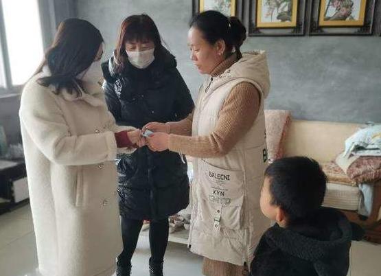 陈庄镇付窝幼儿园疫情防控期间不忘关爱特殊困难儿童