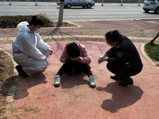 旅客突然晕倒 东营汽车总站紧急救助巧解心结助其回家