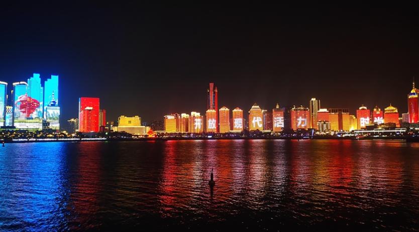 最新!青岛浮山湾灯光秀场次增加 4月1日起实施