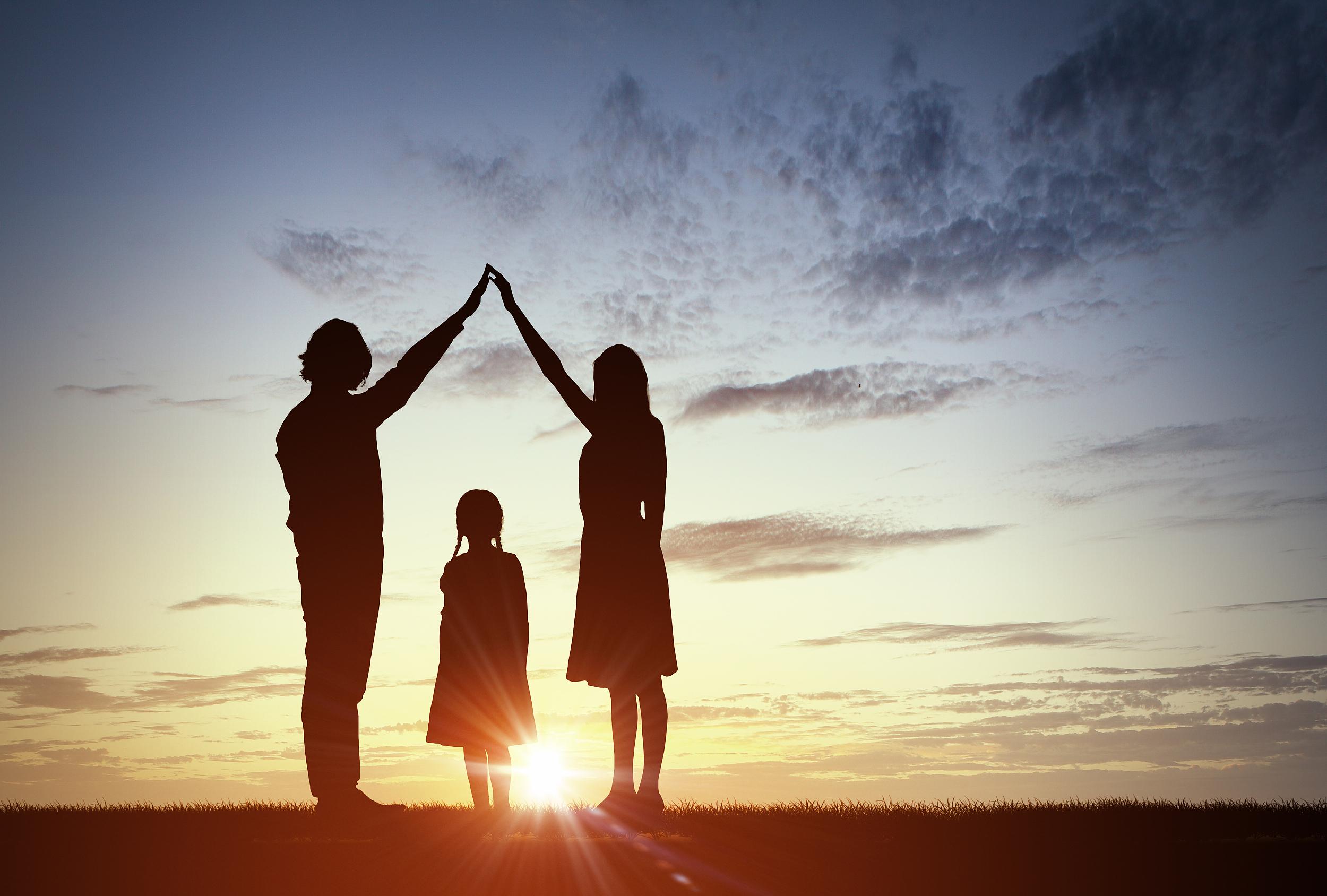 """增强亲子关系 家长要意识到""""爱的语言"""""""