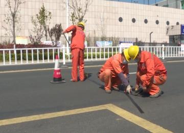 開展道路預防性修復 方便市民出行
