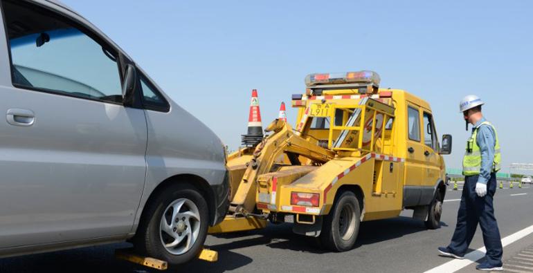 潍坊青银高速上两车追尾人员被困?事故演练太逼真