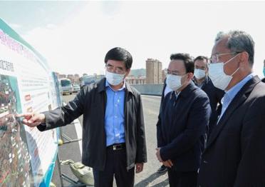 闫剑波现场督导重点交通基础设施项目建设
