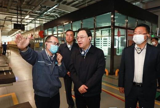 闫剑波调研推动稳外贸稳外资工作