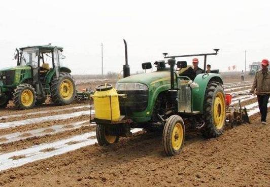 """""""田保姆""""助力种植业提质增效 利津土地托管推动适度规模经营"""