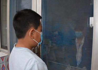 """潍坊11岁男孩捐髓救父:""""我要做超人,让爸爸活下来"""""""