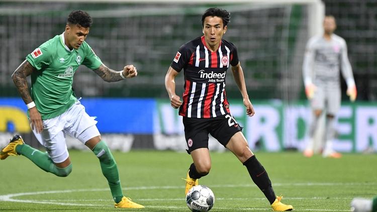 法兰克福完胜不莱梅 日本中卫平亚洲球员纪录