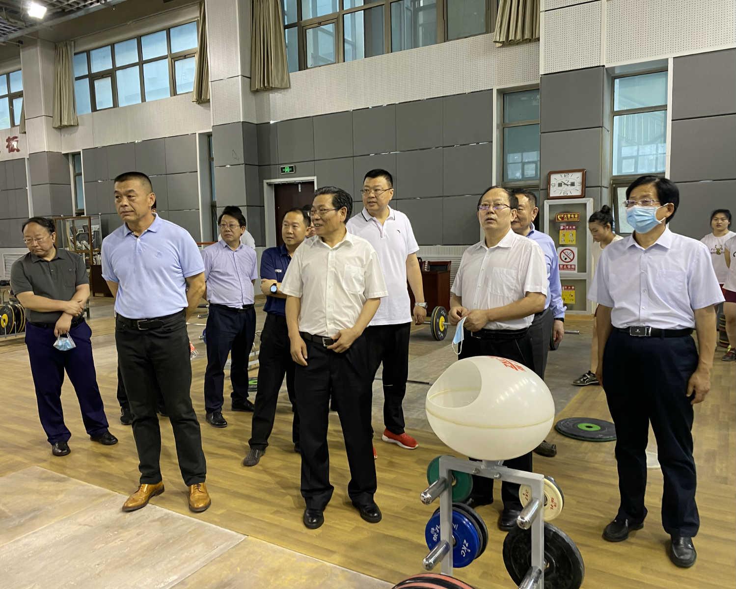 国家体育总局党组书记、局长苟仲文调研山东省体育训练中心