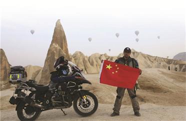 万里走单骑!威海小伙用实际行动传播中国文化