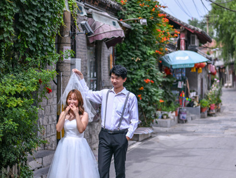 """济南版""""丽江古城"""" 新人拍婚纱照都来这里打卡"""
