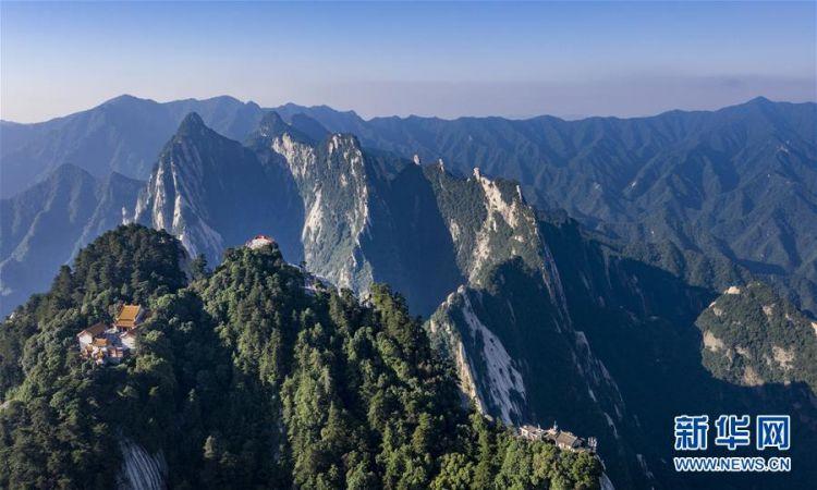 (美丽中国)(3)空山新雨后 西岳景色新