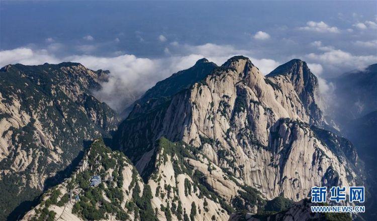 (美丽中国)(6)空山新雨后 西岳景色新