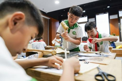 青岛中小学生每年参加社会课堂不少于6次