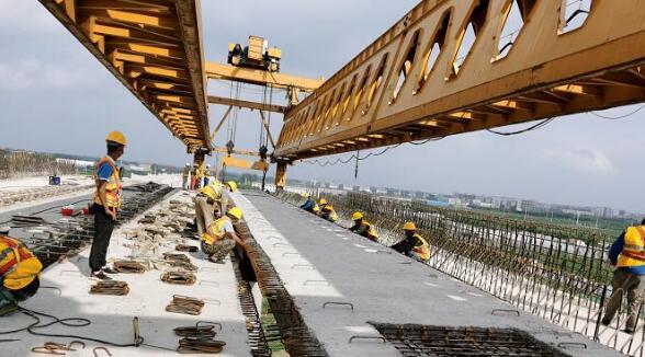 最新进展!岚罗高速跨胶新铁路施工圆满完成