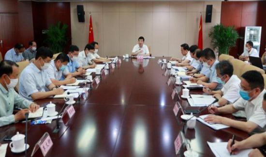 张海波主持召开工业互联网和人工智能专题会议
