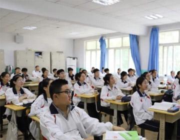 """给考场""""降温"""" 青岛市教育局多措并举护航中高考"""