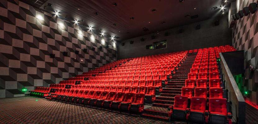 电影放映的线上与线下之争:影院独特性将被取代?