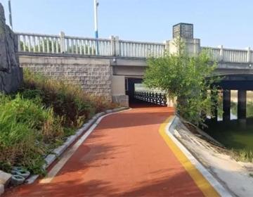 滨州市城区首条公园塑胶绿道投用