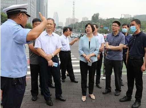 贾瑞霭带队到济南市考察创城工作