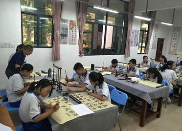 潍坊线下教育培训机构日子不好过 暑期价格战收效甚微