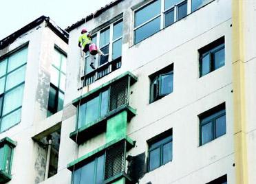 粉刷沿街楼体增设个性牌匾,潍坊高新区深入实施城市更新工程