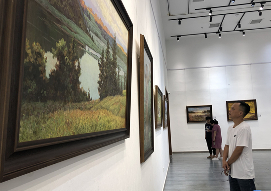 """""""唯美的时光——朝鲜当代油画精品展""""在东营开幕"""
