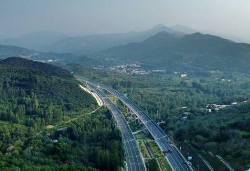 步步美景,一组高清航拍图为你揭秘山东最美高速