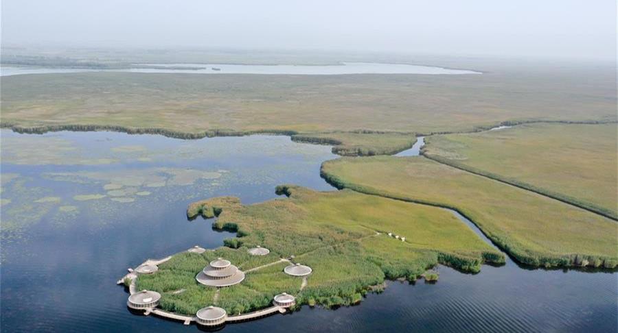 新疆博湖县:水在城中流 城在水中映