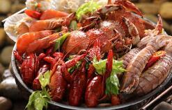 本地海鲜陆续上市,肥美虾蟹供潍坊市民尝鲜