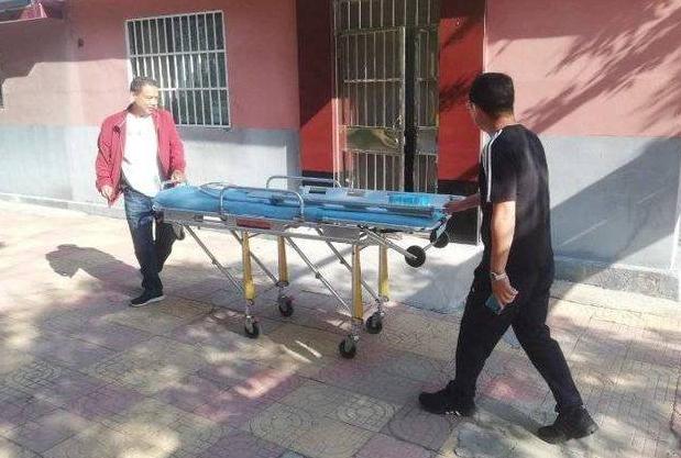 东营一老人突发疾病 社区救助温暖人心