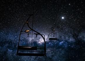 澳大利亚滑雪场夜空银河璀璨 如梦如幻