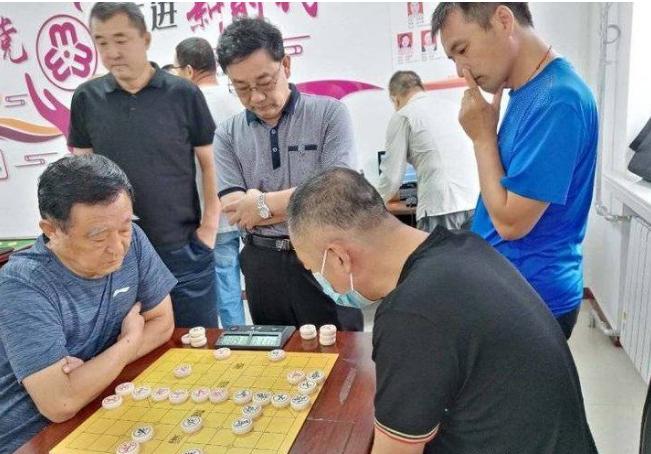 油建社区开展柏雅棋牌类比赛活动