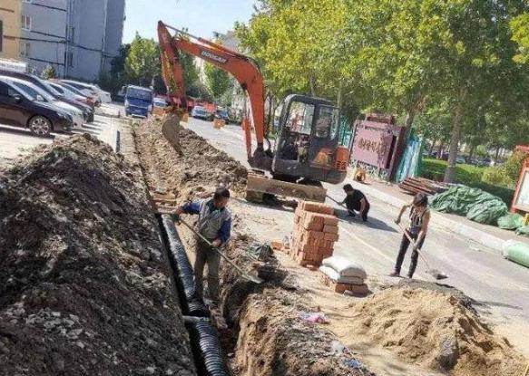 东城街道:大力推进雨污分流改造工程 让积水更少 让排水更清