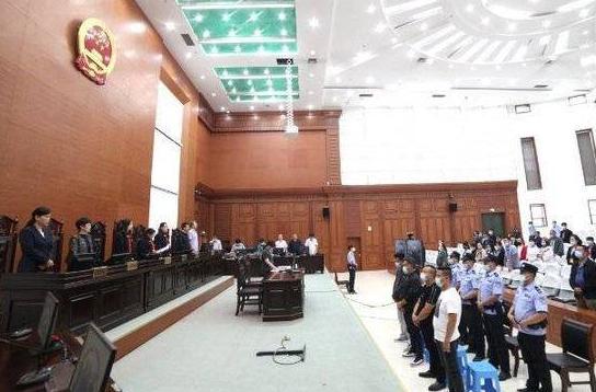 东营区法院对马福骥等3案21人涉恶案件公开宣判