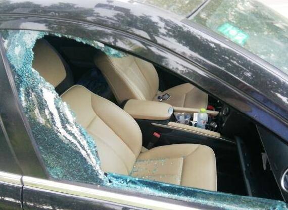 工作生活不顺砸车盗窃发泄情绪 东营男子作案不到一天即被抓