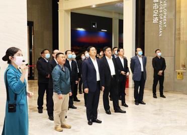 惠新安率领潍坊党政代表团赴黄冈武汉考察招商